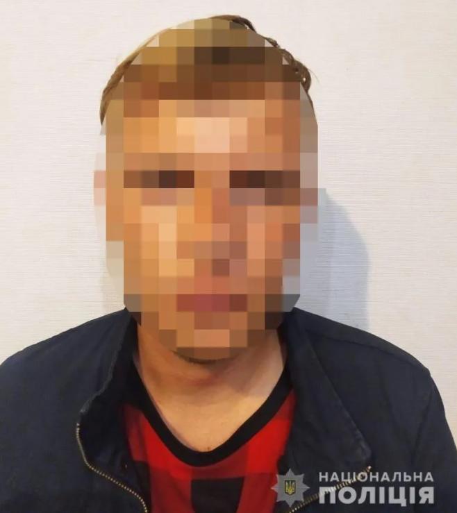 Задержан студент столичного ВУЗа, который надругался над портретами Небесной сотни