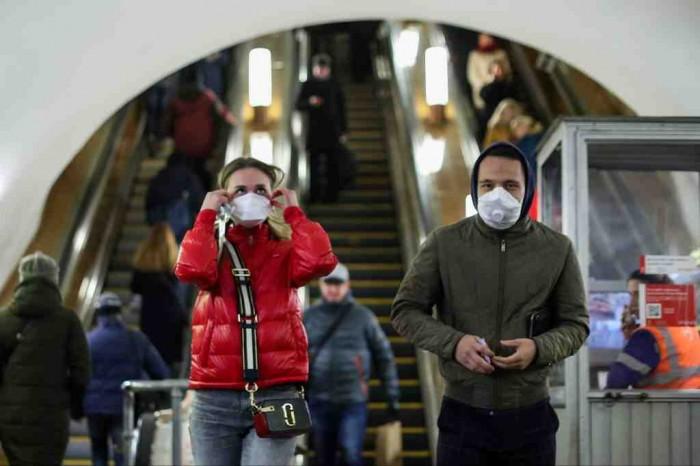 В киевском метро усилят контроль за пассажирами без масок