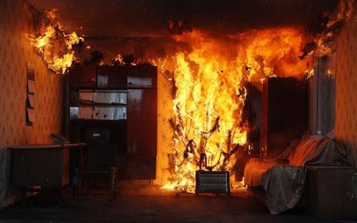 В киевской квартире после пожара нашли труп мужчины с ножевыми ранениями