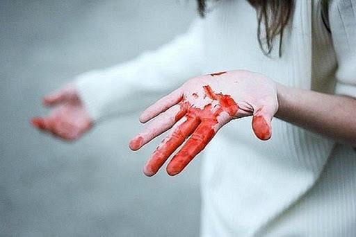 Мужчина убил свою бывшую супругу канцелярским ножом