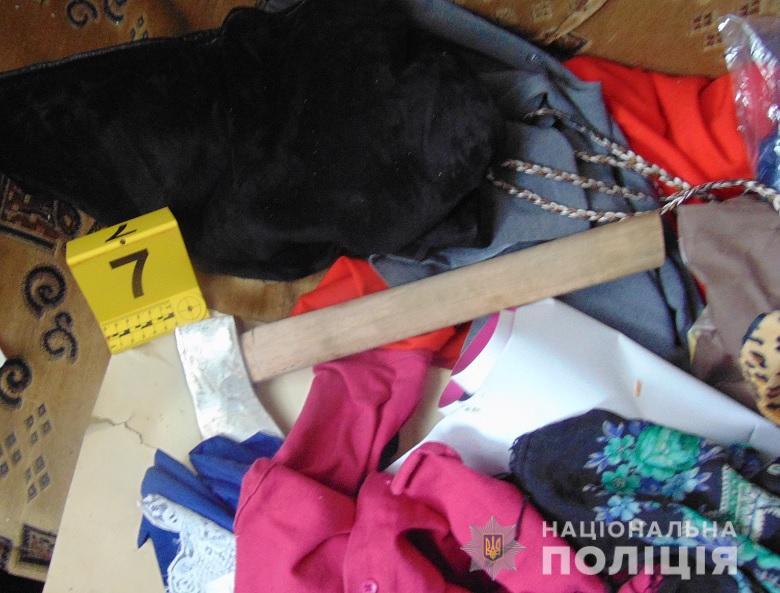 На Березняках женщина с топором напала на спящего мужчину