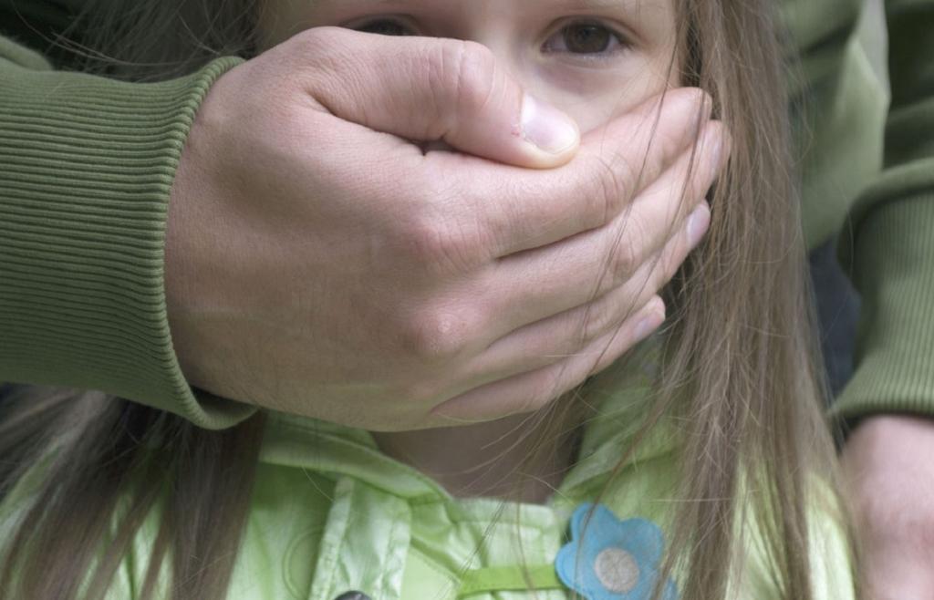 Под Киевом задержали педофила, который напал на двух девочек