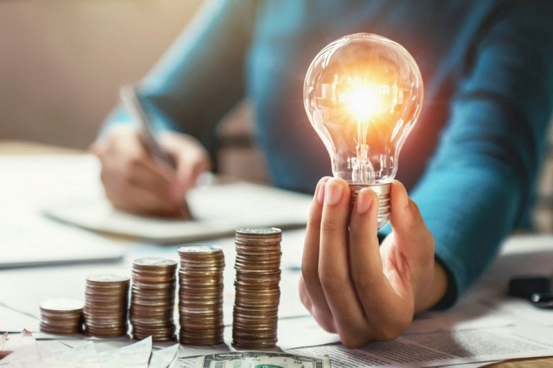 Кабмин снизил тариф на электроэнергию