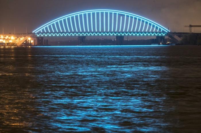 В КГГА обещают пустить транспорт по Подольско-Воскресенском мосту до конца 2021 года