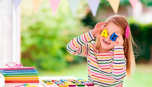 Когда начинать учить английский с ребенком?