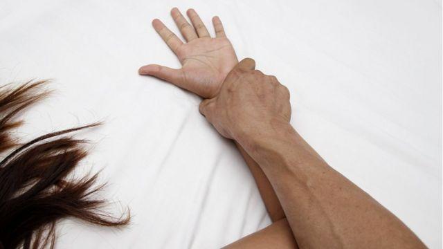 Под Киевом мужчина изнасиловал пьяную 17-летнюю девушку