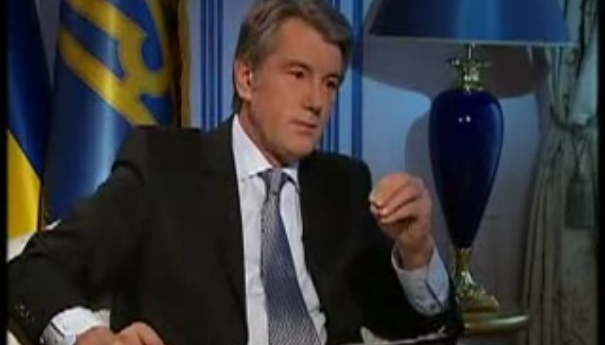"""Ющенко пишут 500 """"спичей"""" ежегодно"""